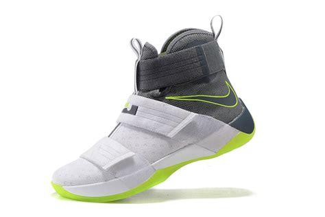 Sepatu Basket Lebron Soldier 7 Hornets lebron soldier 10 basketball nike zoom shoes