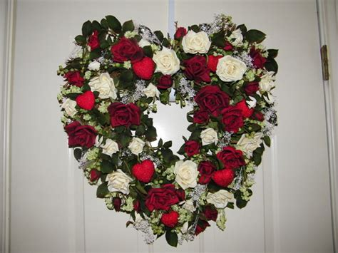 Decorative Wreaths For Front Door by Wreaths Decorative Front Door Wreaths