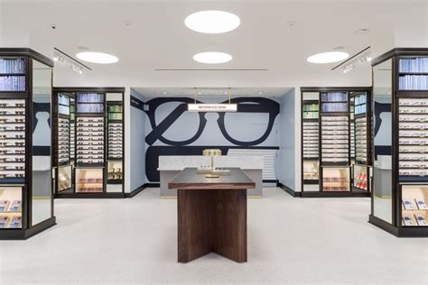 glamshops visual merchandising shop reviews warby
