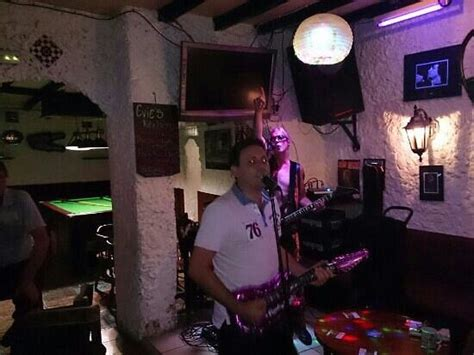 Top Bar Band Cover Songs by The Bar Area Welcome Home From Home Feel Picture Of Pig