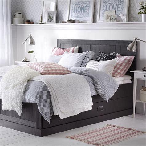 Grey Bedroom Shelves 17 Best Ideas About Shelf Above Bed On Bedroom