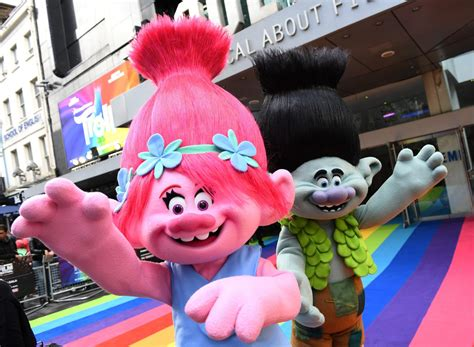 trolls holiday special coming  tv  week simplemost