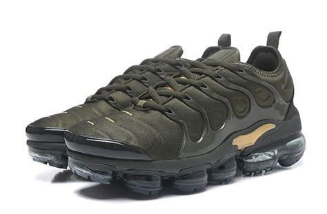 nike air vapormax plus tn s army green metallic gold