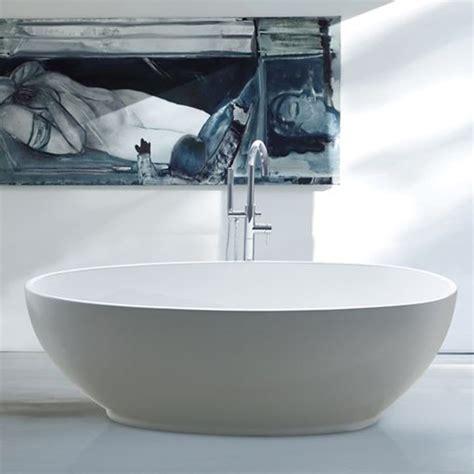 Baignoires Design by Baignoire Ilot Design Demi Ovale 180x80 Cm Sur Destock
