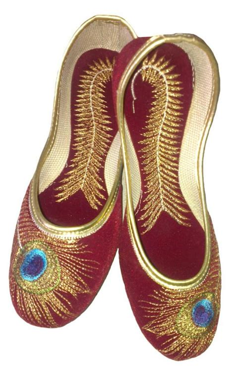Sepatu Mojari Made In India handmade velvet mojari beautiful peacock embroidery work