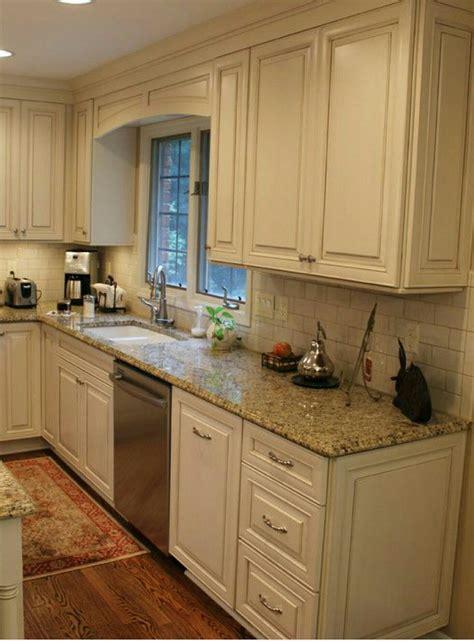 backsplash ideas diy purestyle cabinets buy corian white cabinets subway tile beige granite countertops