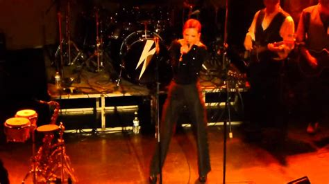 david bowie boys keep swinging sons of the silent age feat shirley manson boys keep