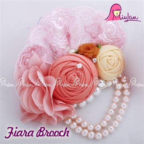Dress Flonita fiara brooch miulan boutique