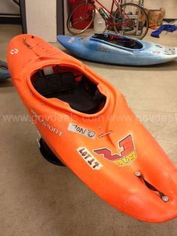 ez bid kayak for sale this big ez white water kayak has a