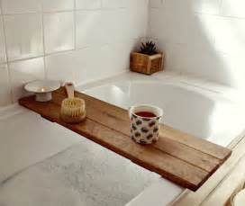 dreamy bathtub caddy ideas for modern bathrooms