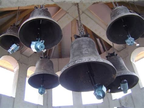 sounds of church bells