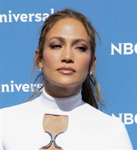 jlo energy drink guzzles protein drinks to stay healthy