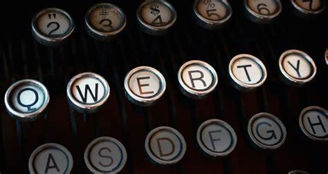 qwerty layout reason why we still use qwerty keyboards gizmodo australia