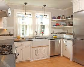 small square kitchen design ideas 1000 images about kitchen layout on square