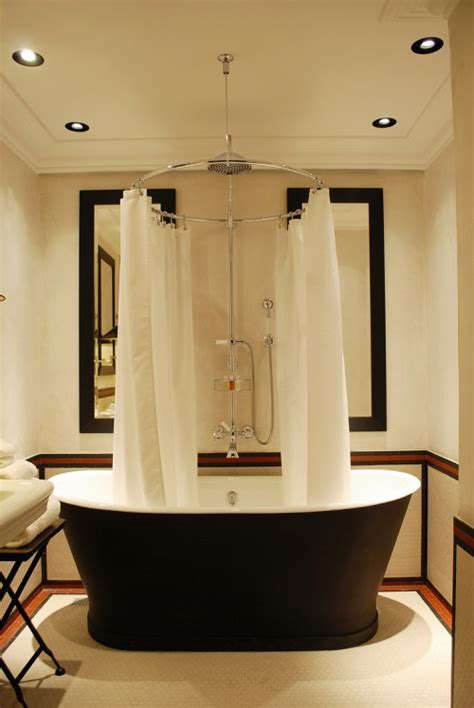 wanna z prysznicem elegancka i praktyczna vabo