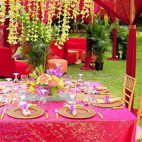 25  best ideas about Luau wedding receptions on Pinterest