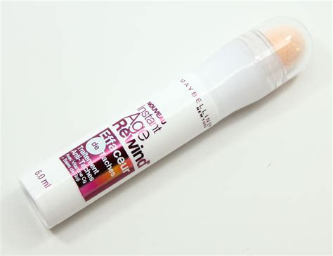 Maybelline Instant Age Rewind Shade Light maybelline instant age rewind eraser spot treatment concealer treatment in light vy