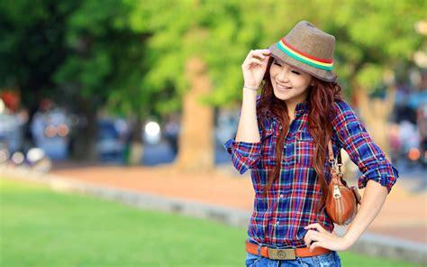 wallpaper girl happy top hd happy girl wallpaper girls hd 326 61 kb