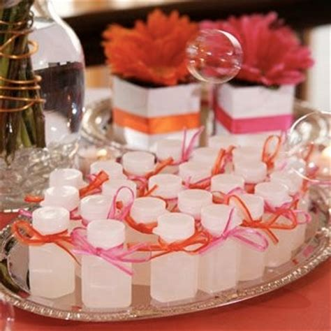 Wedding Favors Bubbles by Wedding Favors Bubbles