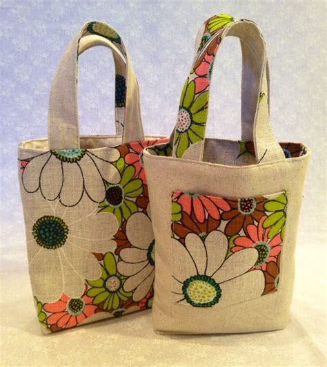 homemade tote bag pattern a step by step tutorial and free reversible bag pattern on