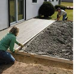 How To Pour A Concrete Patio by Home Dzine Home Diy How To Lay A Diy Concrete Patio