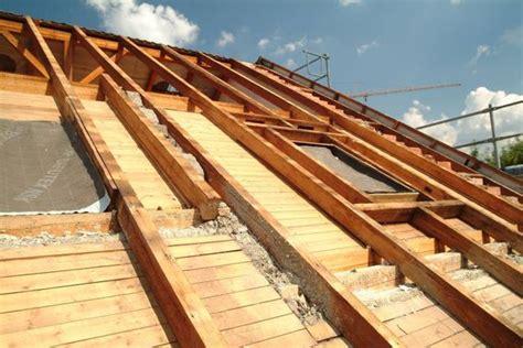was kostet eine dachsanierung dachausbau sparen mit der richtigen d 228 mmung