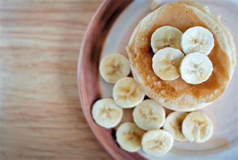 membuat pancake pisang tanpa tepung pancake pisang tanpa tepung siap santap dalam 5 menit