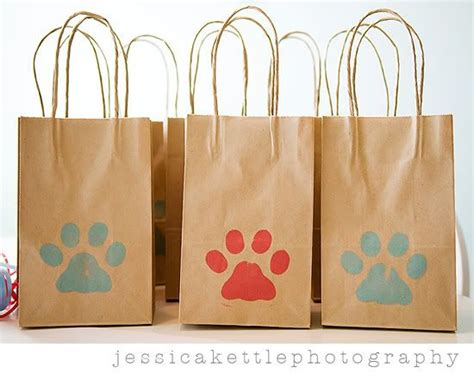 themed gift bags 22 best images about clifford the big red dog party on