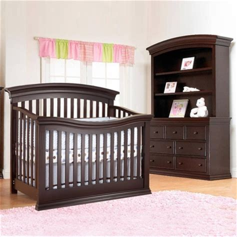 sorelle verona 3 nursery set 4 in 1 convertible crib dresser and hutch in