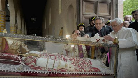 the popes a history the murky history of papal resignations cbs news