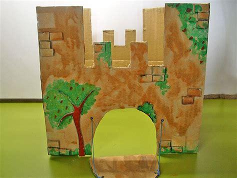 como hacer un trabajo manual de reciclaje castillo de fantas 237 a con cajas de cart 243 n manualidad infantil