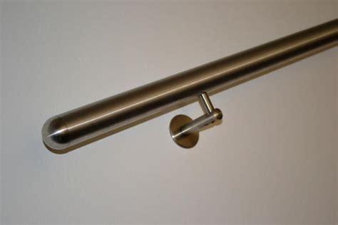 corrimano acciaio satinato corrimano in acciaio inox a muro accessori scala a