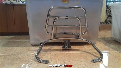 modifikasi vespa original bekas accesoris vespa backrack and flyscreen vespa s