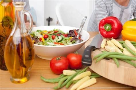 alimentazione anticancro veronesi gli alimenti anticancro consigliati dal dott umberto