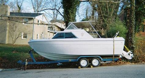 22 Ft Cuddy Cabin Boats For Sale by Free 22 Ft Bayliner With A Volvo Penta Engine West