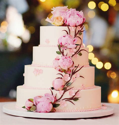 Flowers For Wedding Cakes by Wedding Cakes 20 Ways To Decorate With Fresh Flowers