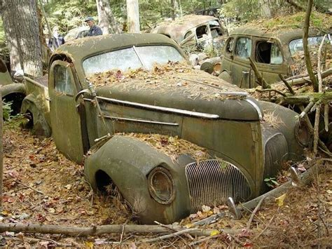 Abandoned Car In Front Of House by Afbeeldingsresultaat Voor Abandoned Cars In Forgotten Junkyard Beautiful And Awesome