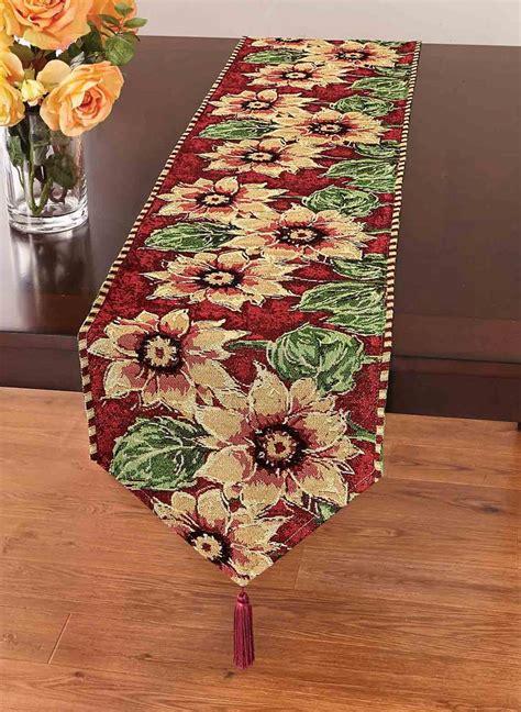 dining room table runner best 25 dining room table runner ideas ideas on