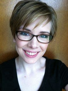 pixie cut with bangs glasses google search hair styles hairstyles for women over 60 with glasses http heledis