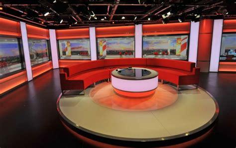 bbc breakfast sofa watch an orangutan join the bbc breakfast sofa the irish