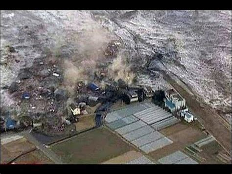 best tsunami footage 135 best tsunami japan images on tsunami
