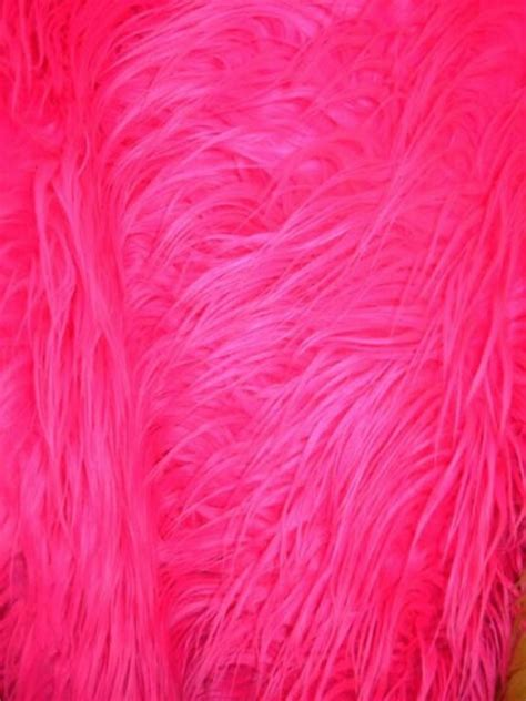 Pink Fluffy Rugs by This Pink Fluffy Rug Will Cover Bryleighs Floor In Bed