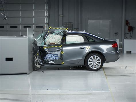 Audi A4 Crashtest by 2012 Audi A4 Driver Side Small Overlap Iihs Crash Test