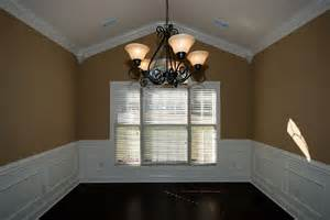 Crown Molding Vaulted Ceilings by Crown Molding On A Vaulted Ceiling Corners Look