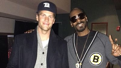 tom brady snoop dogg  bruins sweater hang