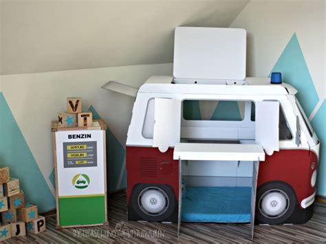 kinderzimmer junge autobett die besten 25 autobett ideen auf jungen auto