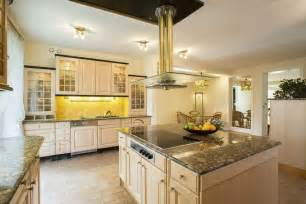 Kitchen Island Counter by Luxury Kitchen Ideas Counters Backsplash Amp Cabinets