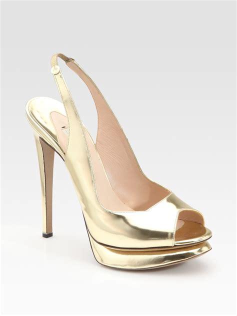 nicholas kirkwood sandals nicholas kirkwood metallic slingback sandals in gold lyst