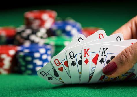 keuntungan bermain poker  situs game  indonesia
