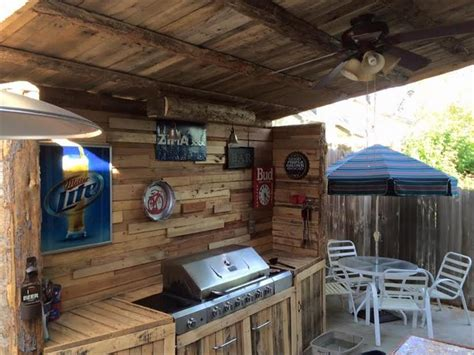 Portable Outdoor Fireplace Ideas - upcycled pallet outdoor kitchen